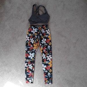Flower print nike leggings size small